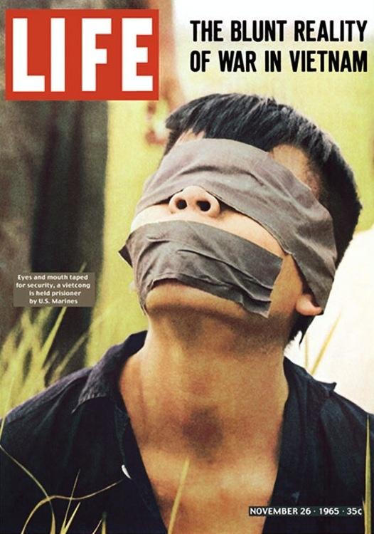 Paul Schutzers es el autor de la fotogtrafía que la revista LIFE publicó en su portada y que provocó el descontento y rechazo de la sociedad estadounidense hacia la guerra de Vietnam. La foto muestra un prisionero vietnamita.
