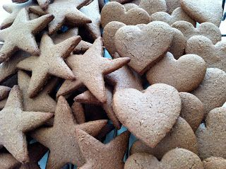 Chocolate Log Blog: Polish Spice Biscuits and New Zealand Honey