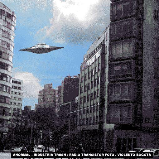 Dirección: Avenida Jimenez # 4-16, Avenida Jimenez, Bogotá, Colombia.Según el relato, Bedo tomó su celular y al intentar captar la imagen, el punto no se veía en su pantalla. Al intentar volver a verlo con sus ojos y no a través del teléfono, el objeto se había movido por encima del edificio.En el cielo de Bogotá se observó un objeto volador y cientos de personas pensaron que se trataba de un OVNI, pero el Planetario explicó qué fue lo sucedió.