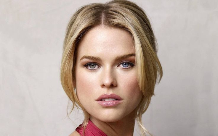 alice eve Wallpaper HD Wallpaper