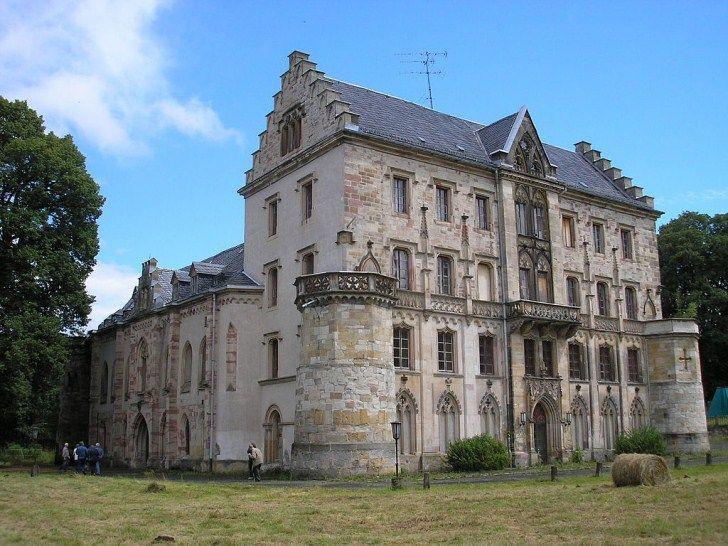Schloß Rapunzel – The Abandoned Castle Reinhardsbrunn in the Heart of Germany – Abandoned Playgrounds