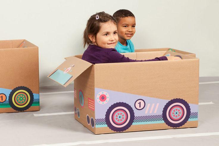 Flotter Flitzer für Mädchen und für alle, die auf Spaß und Umweltschutz abfahren.  badala, Sticker, Fantasie, Rollenspiel, Spaß, Schachtel, Spielzeug, Rennwagen, Formel 1, basteln, verwandeln, Schatzkarte, Karton, DIY, imagination, roleplay, fun, kids love boxes, cardboard, toy, tinker, box, boy, girl, cardboardboxes, upcycling, race car, formula 1