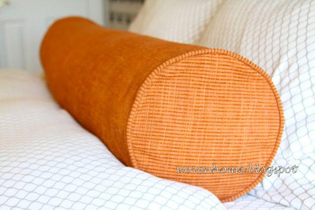 Tutorial on sewing round lumbar pillow