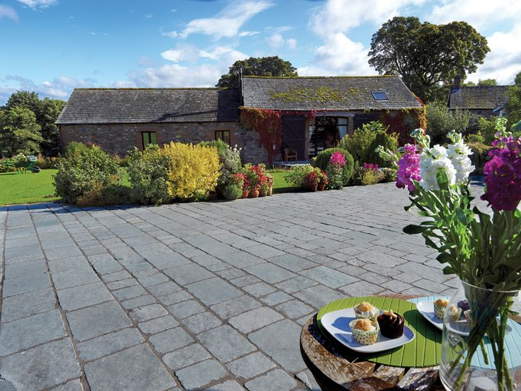 Elegant Pavestone Denby Tudor Cobbles Are Particularly Suitable For Paving  Courtyards And Terraces Where A Smaller Size Paving Creates A Better Aspect  Ratio.