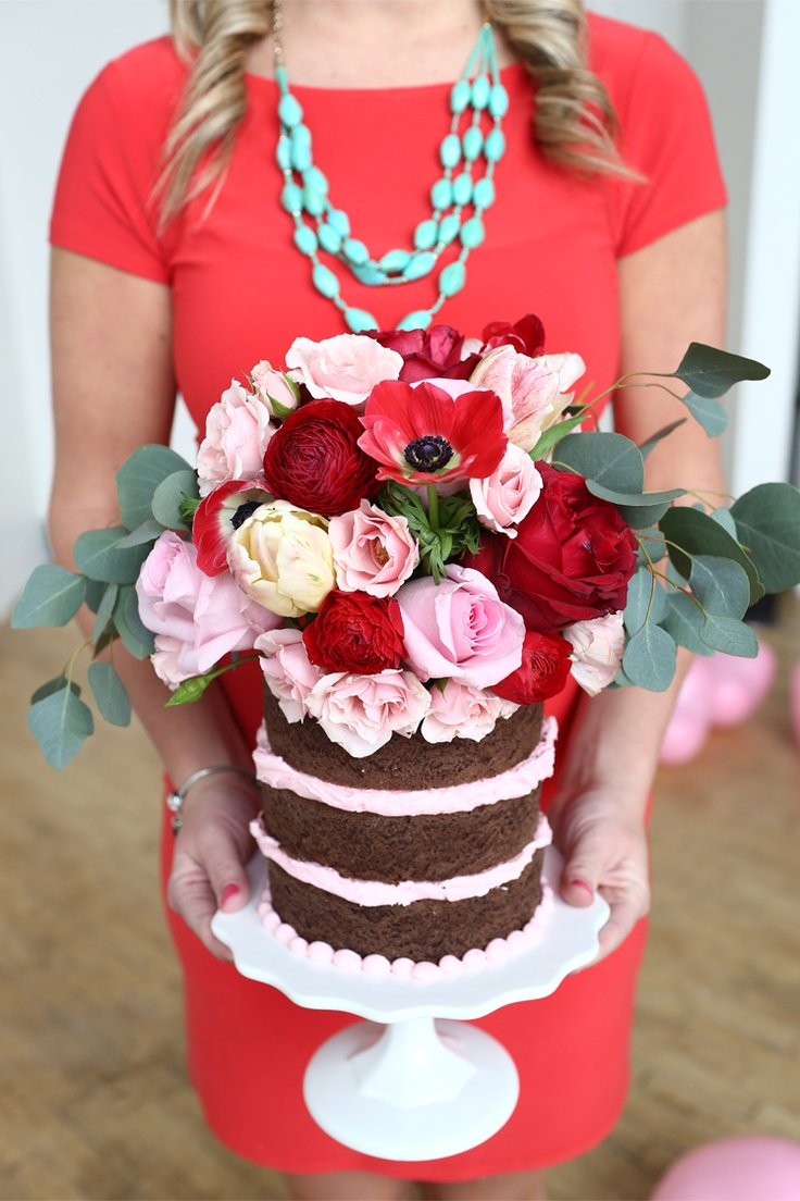 Valentine�s Day Soiree // pink and red // cake // fresh flowers //