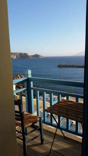 Finiki Village Apartments Foin�kion Offering free WiFi and a terrace, Finiki Village Apartments is located in Foin?kion, 9 km from Karpathos. Olympos is 28 km away. Free private parking is available on site.