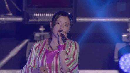 Suzuki Kanon singing Juice=Juice's Ijiwaru shinaide dakishimete yo during the Hello Project Hinafest 2016. #SuzukiKanon #Zukki #鈴木香音 #ズッキ #MorningMusume #モーニング娘