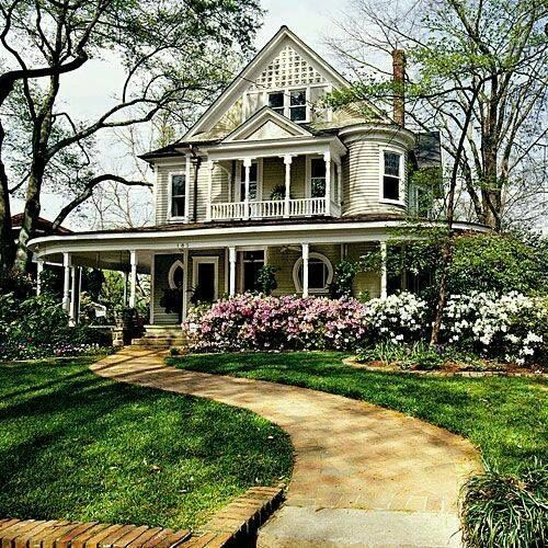 Awesome southern front porch in old victorian home for My home builders