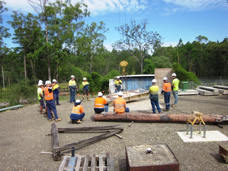 #Dogging course at our #Sunshine Coast facility. The crane in this photo is a #Potain 1.2t Self Erecting #Tower Crane.