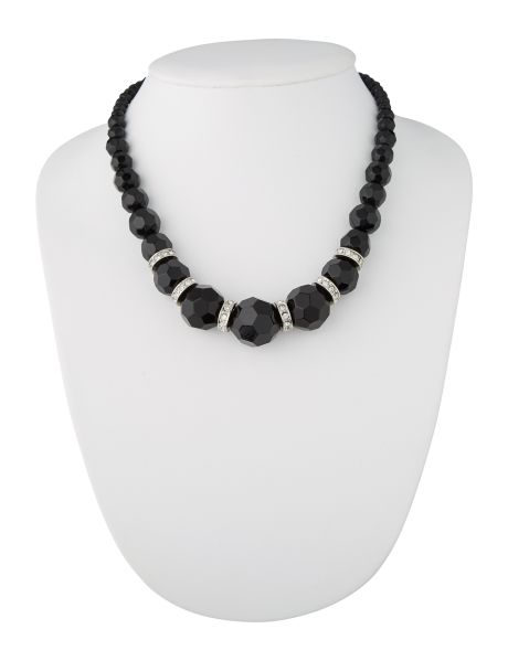 Add a little sparkle with this medium length beaded and diamante necklace which is in black.