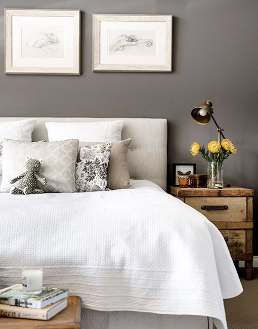 Dormitorio sereno y relajado en gris y blanco