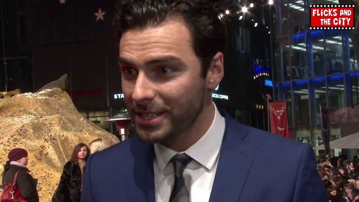 Aidan Turner Interview - The Hobbit: The Desolation of Smaug Premiere. He is so adorable!!