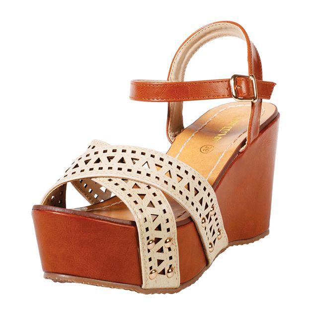 In love com estas sandálias! Lindas e confortáveis. Melhor de tudo? Estão em promoção. #euvounatura #veraonatura2015 #sandalianatura2015