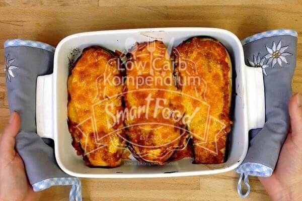 Die Auberginenlasagne frisch aus dem Ofen