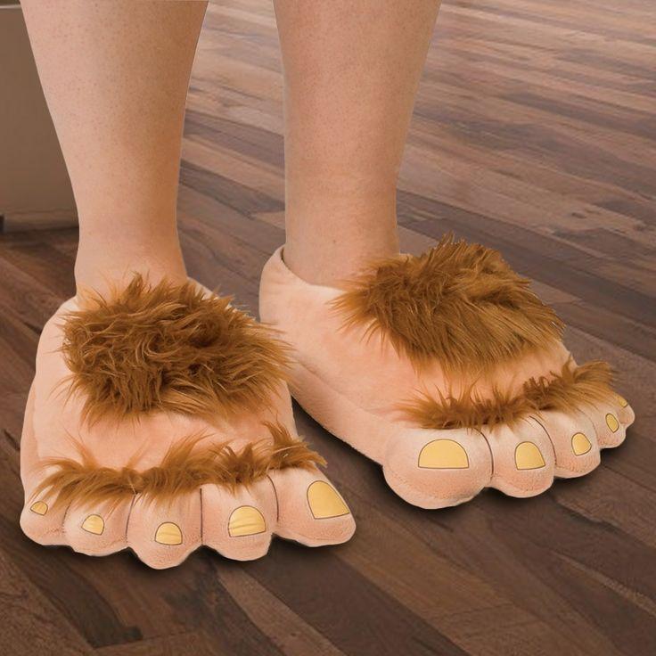 Altijd al door het leven willen gaan als Bildo met zijn grote Hobbit voeten? Dat kan nu met deze sloffen!