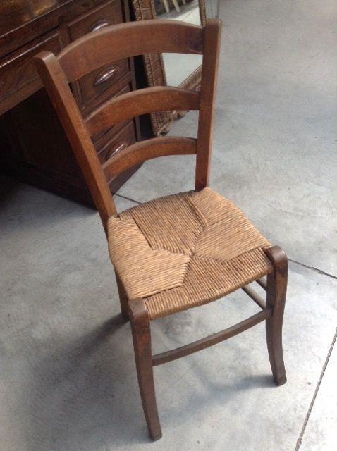 vecchia sedia legno impagliata