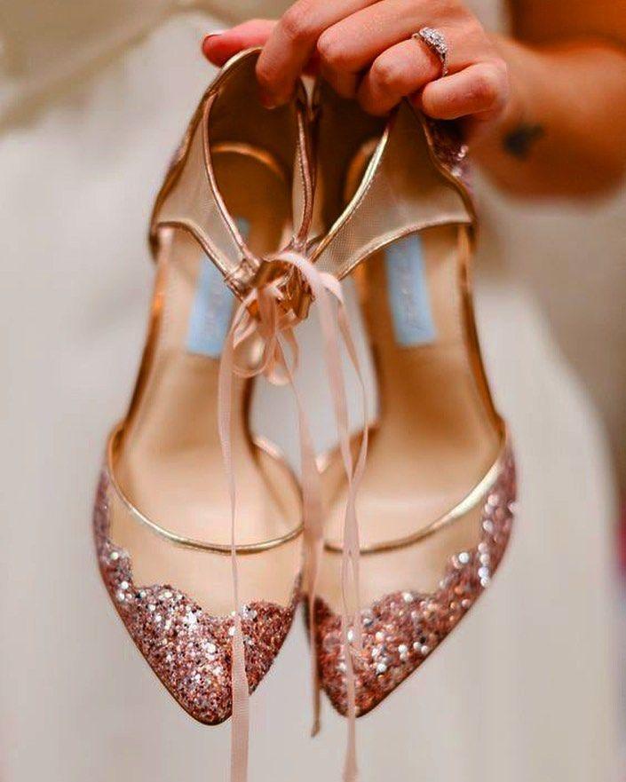 Jak Wybrac Slubne Buty Aby Byly Zarowno Piekne I Wygodne Miekkie Skorzane Wnetrze Ksztalt I Wysokosc Rose Gold Wedding Shoes Gold Wedding Shoes Wedding Shoes