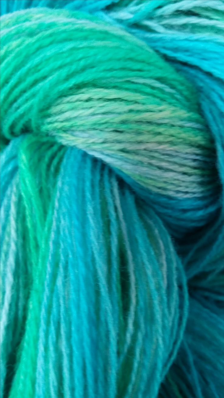 I dyed this light blue-gray 100% New Zealand finering wool using blue and green food colouring thus creating a long gradient/ombre skein (600 m)