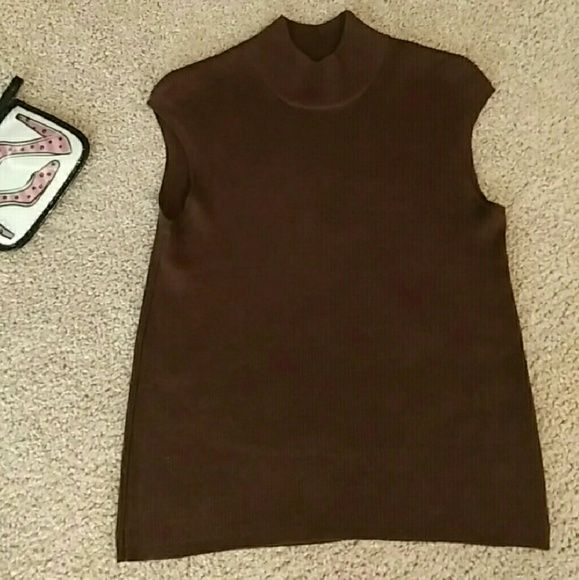 """????Plus size deep brown knit top 2X silk & cotton Beautiful coldwater creek brand top 70% silk 30% cotton knit top 2X size great for season warm nice neck line very soft silk but feels like knitted cotton beautiful chocolate brown top! Brand is coldwater creek"""" ? I have this available in medium as well ??  Keywords torrid lane bryant avenue fashion bug deb maurices Coldwater Creek Tops Tank Tops"""