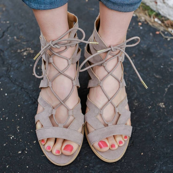 Every girl will have a major Style Crush on you once they see you sporting these trendy sandals! #uoionline