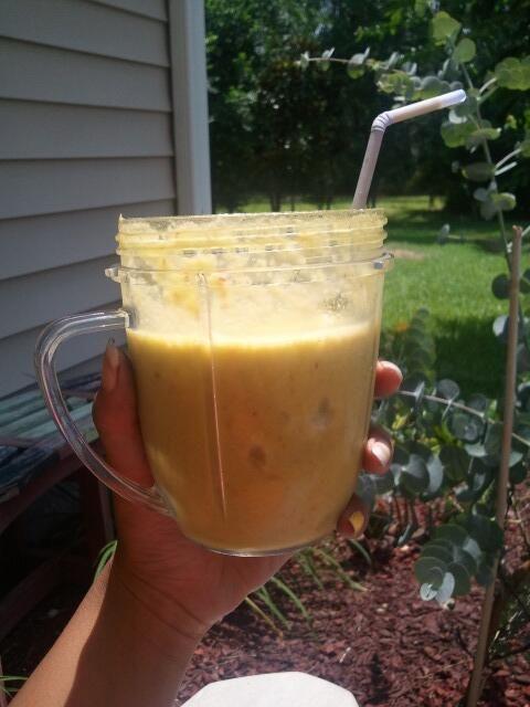Breakfast juice: peach, pineapple, apple, and spinach. Sounds gross but it's soooo good #nutribullet #nutriblast
