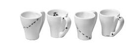 Pequeños Invasores  ¡No estás viendo mal! efectivamente, sobre las tazas de café expreso caminan hormigas y se posan moscas.  #foodandtravelMX #gadgets