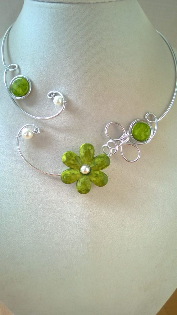 Open collar  necklace wire jewelry  Green necklace wedding