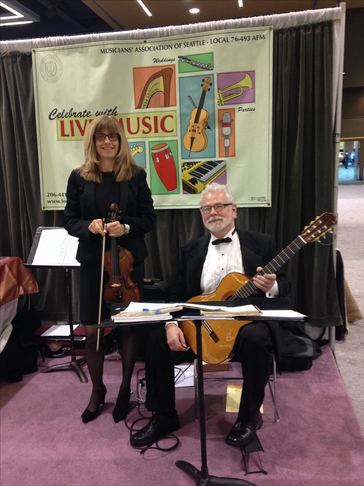 Kathleen Scarborough and Lonnie Mardis performing at the Seattle Convention Center