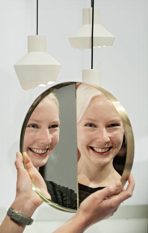 Iina Vuorivirtas tudelade spegel tyder på kommande framgångar. Formexmässan i Stockholm är som ett eldprov för inredningsbutiker - också finländska.