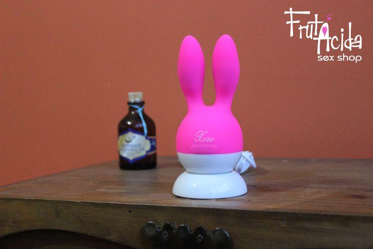 Bunny Vibrator. -Material: Silicona Quirúrgica - Estimula: Clíttoris, pezones o pene - Frecuencia: 7 Vibraciones - 100% sumergible en el agua - Batería: Usb - Precio: COP 190.000 #sex #sexcolombia #sexlove #sexo #frutacida #bunny
