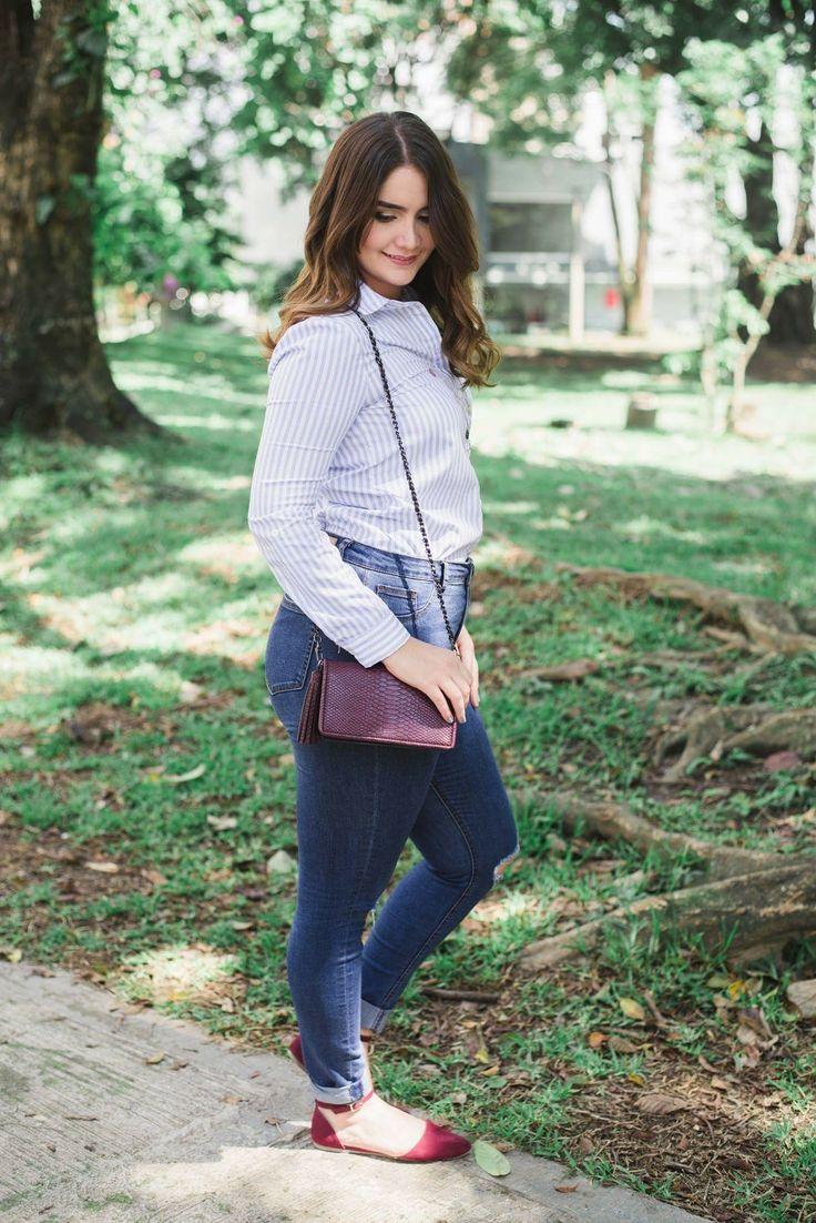 Stripes and high rise jean.   Rayas y jean de Tiro alto. Curvy look, plus size, tallas grandes, bolso pequeño.