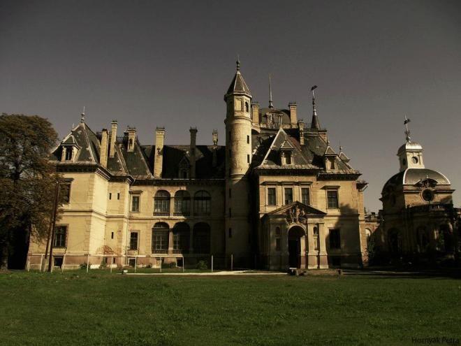 """Az """"Operaház kistestvére""""-ként emlegetett Schossberger-kastély"""