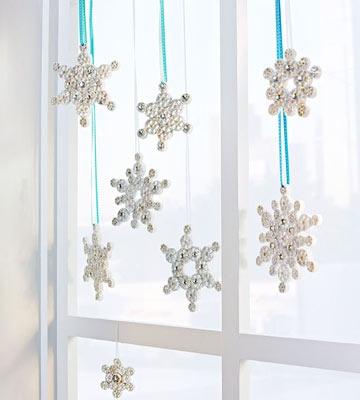 Pasta Snowflakes. Craft for kids. (via Parents.com)