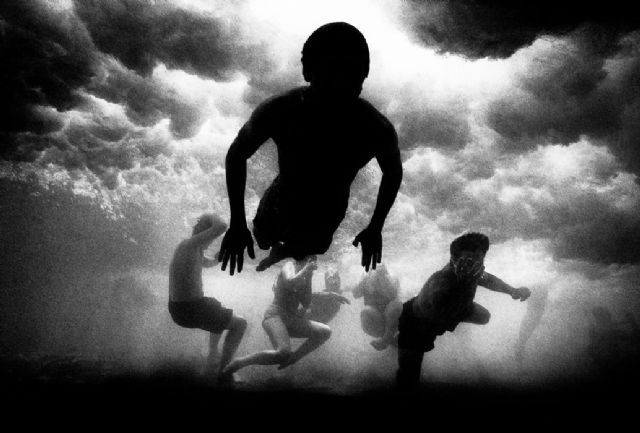 "© Trent Parke/Magnum Photos  ""The Seventh Wave""  AUSTRALIA. New South Wales. Bondi beach. 2000"