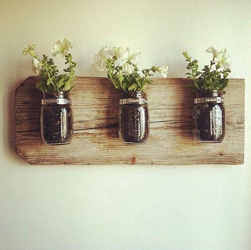 Κρεμάστε τα βάζα σας και δώστε παραδοσιακό στυλ διακόσμησης στους τοίχους σας !