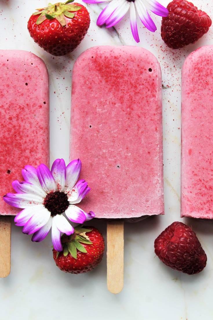 STRAWBERRY MILKSHAKE ICE LOLLIES (vegan, no refined sugar)