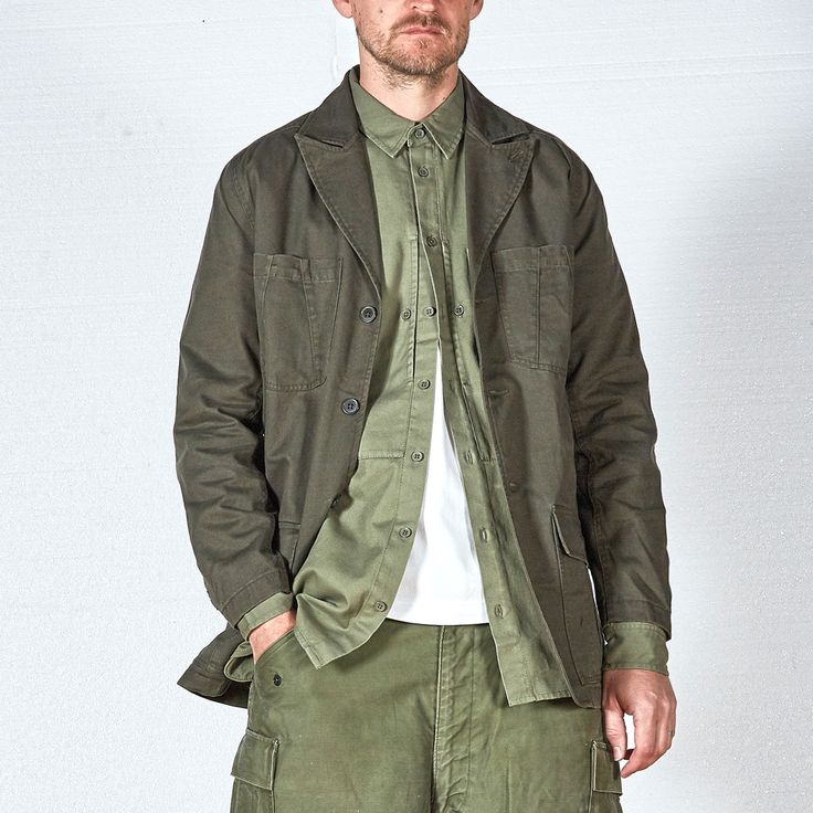 Wearing: (1) Field jacket blazer in Jungle Green — Issue #RE0368 (2) US Marine Shirt in Olive Twill — Issue #RE0416 (3) Original M65 pant (4) @Vans Sk8-Hi Reissue on the feet. •• #vintage #archive #militarian #originalspec #realmandempire #menswear #militaryinspired #summer #issuenumber #ss17 #collection #menswearstyle #ootdmen #mensweardaily #reissued #builttolast #inspired #japanese #naval #parka #trouser #pant #deadstock #basics #monty #graphic #sale
