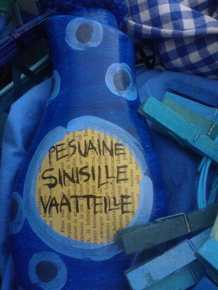 """""""Sininen siivouspäivä""""-installaatio Verkarannassa 2014"""