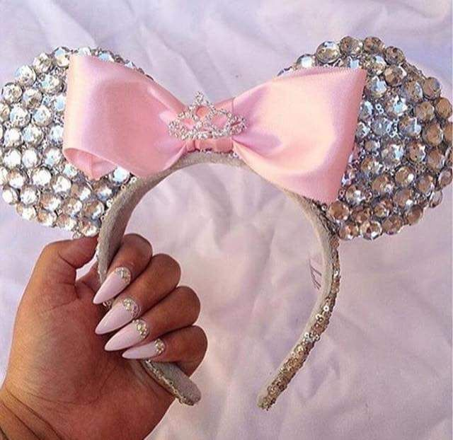 These glittery, jeweled Minnie Mouse ears are just perfect