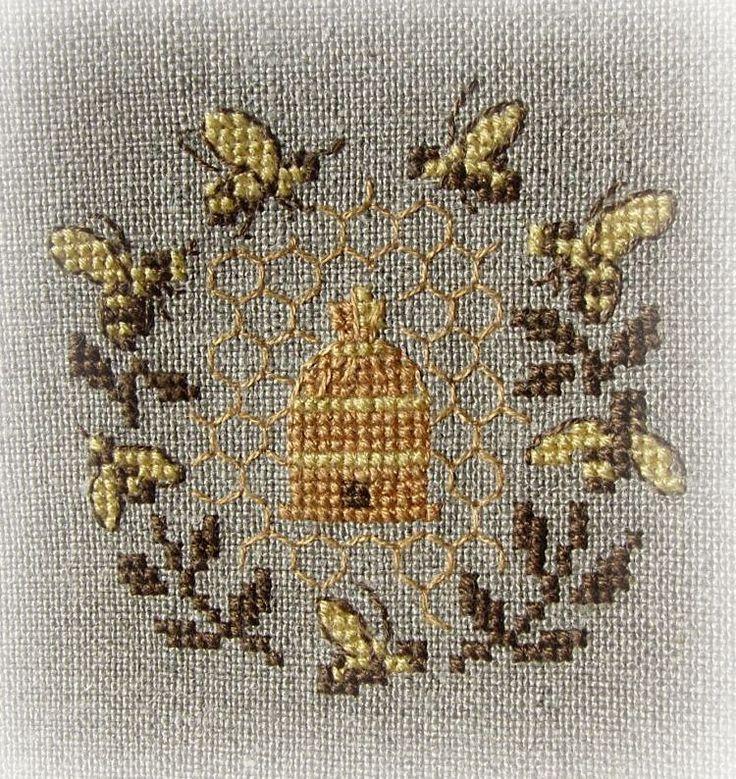 w związku... z nitką: Brzęczy pszczoła koło czoła