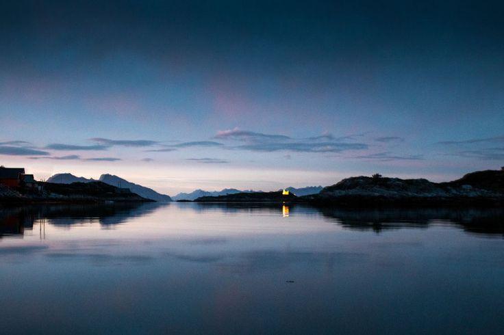 blaue Stunde in Bliksvær, Norwegen