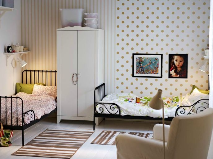 would be cute for the kids shared room o side stripes and k side polka dots - Ikea Shared Kids Room