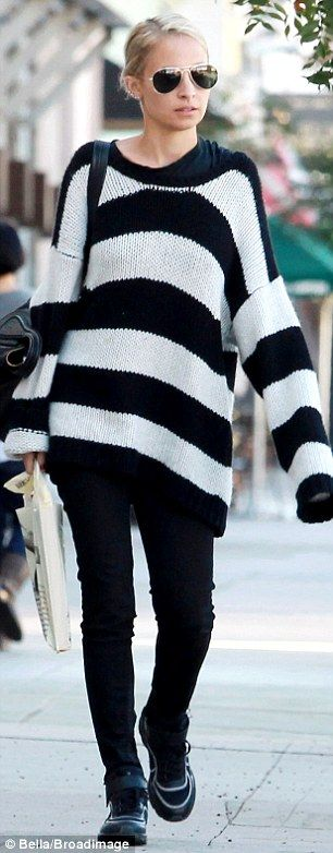 She even appears thin in stripes! Slender Nicole Richie pulls off a look that would make most women seem thicker as she shops with kids : Daily Mail Celebrity waysify