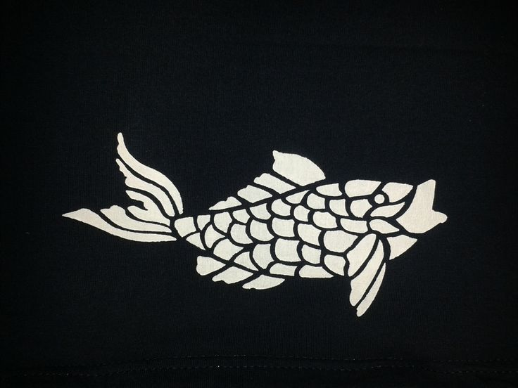 Second attempt at stenciling with freezer paper, a great way of giving an old t-shirt a new lease of life :)
