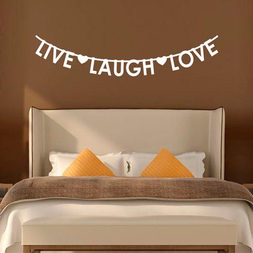Vinilo decorativo con forma de guirnalda de letras, con las palabras Live Laugh Love (vive, ríe, ama).