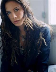 Rhona Mitra- So damn cute