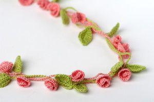Rose Garden Necklace crochet pattern. Cute crochet flower jewelry