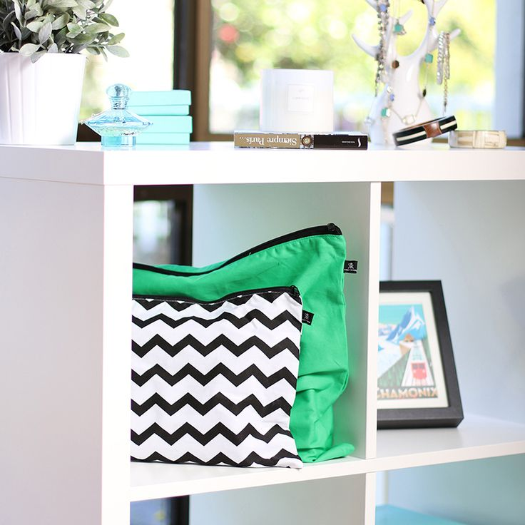 Green and Chevron Green envy hand bag covers by Kazzi Kovers. Fun way to organise your closet and protect your handbags.