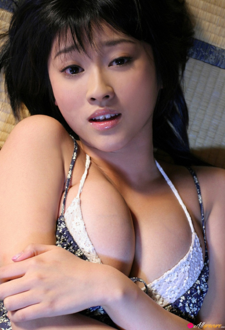 #japanses #sexy Sexy Asian babe shows us her big tits. Click the picture above to view full pictures.
