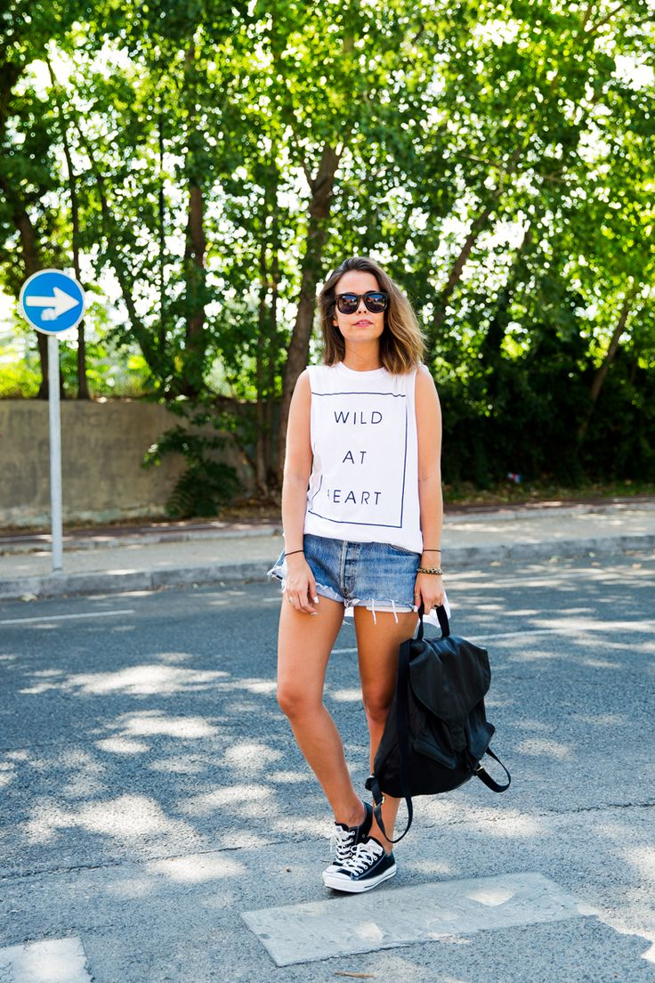 Wildfox top & sunglasses, Levi's shorts, Converse sneakers, ASOS backpack.